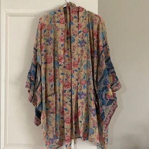 Nwt m/l spell seashell kimono